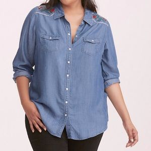 Torrid Embroidered Chambray Top Size 5
